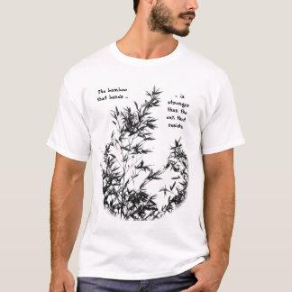 T-shirt Arbre en bambou balançant dans la brise