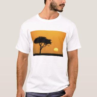 T-shirt Arbre simple d'acacia silhouetté au lever de