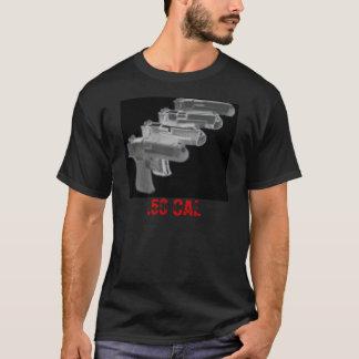 T-shirt Armé et dangereux par des conceptions d'Atown
