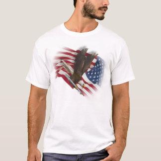 T-shirt Armé et recherchant le remboursement