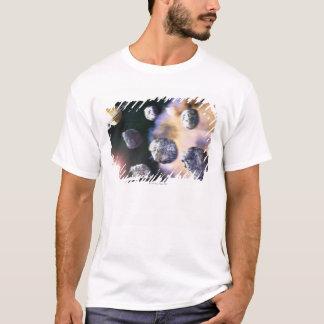T-shirt Asteroïdes et étoile rouge par Saturn (numérique