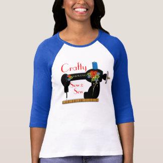 T-shirt Astucieux cousez et cousez le dessus de couture de