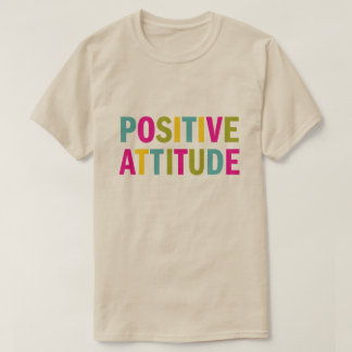 T-shirt Attitude positive dans des couleurs lumineuses