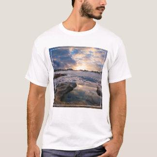 T-shirt Au coucher du soleil dans un magma