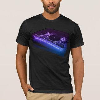 T-shirt au néon de plaque tournante du DJ 3D