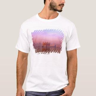 T-shirt Aube au temple d'or