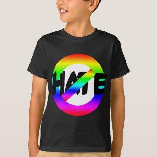 T-shirt Aucune haine avec des couleurs d'arc-en-ciel sur