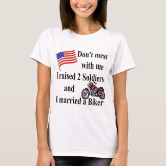 T-shirt Augmenté 2 soldats a épousé un cycliste