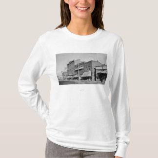 T-shirt Automnes de Klamath, OU vue recherchant la rue