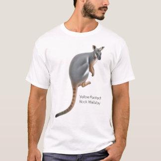 T-shirt aux pieds jaune de wallaby de roche