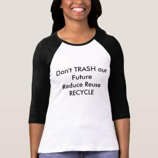 T-shirt avec l'emphassis sur être un humain