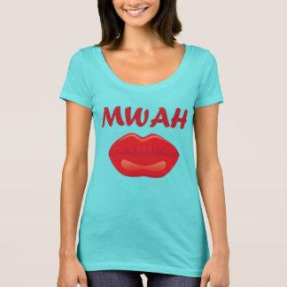 T-shirt Baiser sexy avec le rouge à lèvres rouge