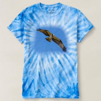 T-shirt Balbuzard de vol avec une cible en vue
