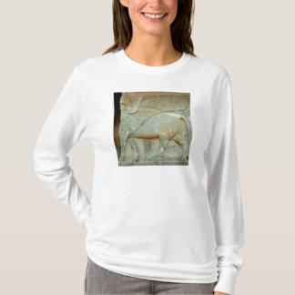 T-shirt Bas-soulagement d'un taureau anthropomorphe