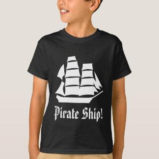 T-shirt Bateau de pirate. Bateau de navigation