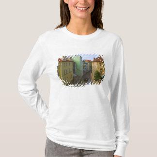 T-shirt Bâtiments historiques avec le canal, Prague,