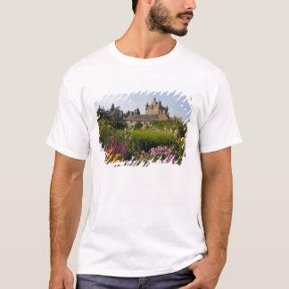 T-shirt Beaux jardins et château célèbre dedans