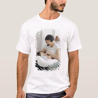 T-shirt Bébé d'allaitement au sein de mère