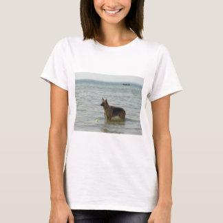 T-shirt Berger allemand à la plage
