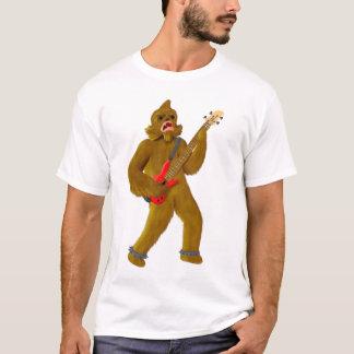 T-shirt Bigfoot jouant la basse