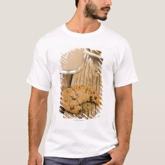 T-shirt biscuits de puce de chocolte