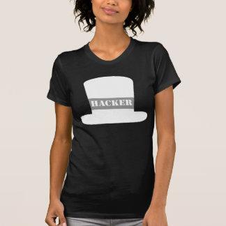 T-shirt blanc de pirate informatique de casquette