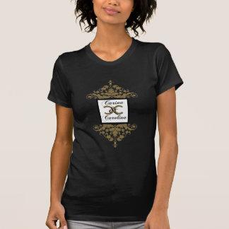 T-shirt blanc du bonbon 16 à damassé de noir et