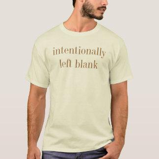 T-shirt blanc intentionnellement gauche