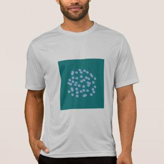 T-shirt bleu de la représentation d'hommes de pois