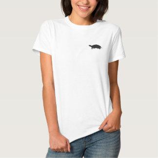T-shirt brodé de femme de tortue
