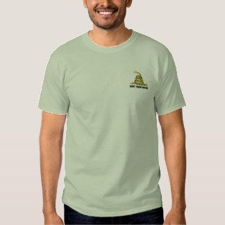 T-shirt Brodé Le drapeau de Gadsden ne marchent pas sur moi