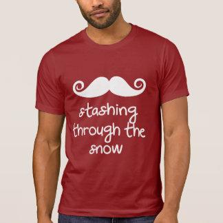 T-shirt cacher par la neige ! humour drôle de moustache