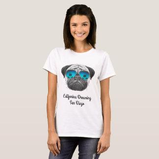 T-shirt Califorina rêvant le carlin San Diego