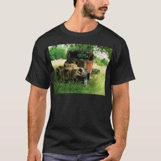T-shirt Camion vintage se rouillant loin