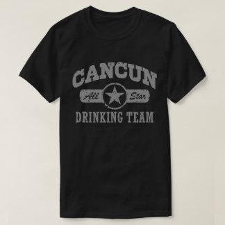 T-shirt Cancun buvant l'équipe