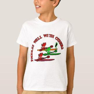 T-shirt Canoë de kayak - palettes bien avec d'autres