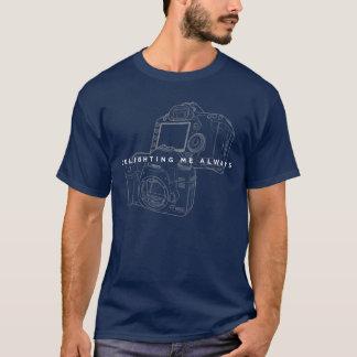 T-shirt Canon enchantant toujours le contour de cool de