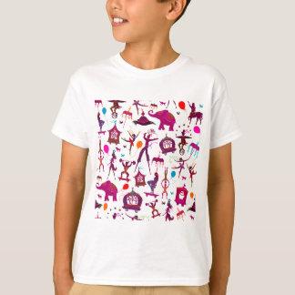 T-shirt caractères colorés de cirque sur le blanc