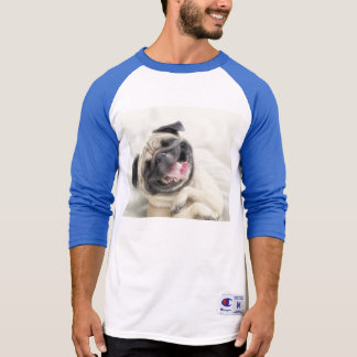T-shirt Carlin de sourire. Carlin drôle
