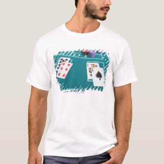 T-shirt Cartes et puces sur parier la table