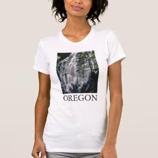 T-shirt Cascade dans la forêt, Orégon