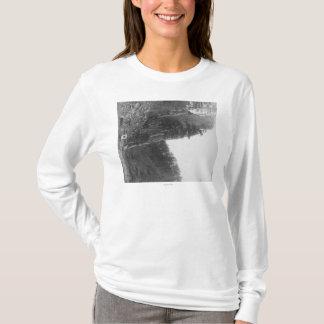 T-shirt Castle rock entre la ville de colline et le