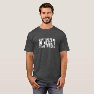 T-shirt Ce qui se produit dans la pièce en t de Negril