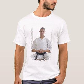 T-shirt Ceinture noire de karaté masculin hispanique