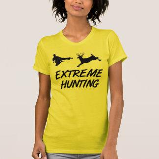 T-shirt Cerfs communs extrêmes de coup-de-pied de karaté