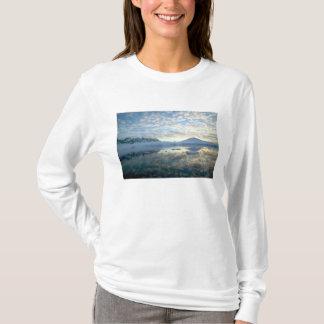 T-shirt Chaînes de montagne autour de port Lockeroy