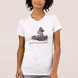 T-shirt Champignons dans le jardin, champignons à mon