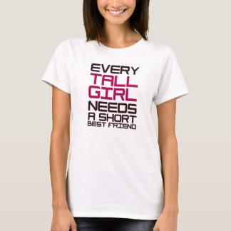 T-shirt Chaque fille grande a besoin d'un meilleur ami