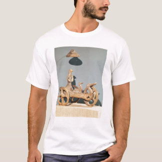 T-shirt Char votif avec une divinité anthropomorphe