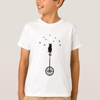 T-shirt chat sur la bicyclette vintage avec des oiseaux